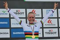 Mistrovství světa horských kol, závod cross country junioři - ženy, 1. července v Novém Městě na Moravě. Vítězka Ida Janssonová ze Švédska.