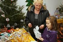 Tradiční vánoční výstava zaplnila výstavní prostory obecního úřadu v Obyčtově na Žďársku. Některé vystavené předměty nebyly určeny pouze k obdivování, ale zájemci si je mohli rovněž zakoupit.