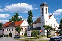 Horní Cerekev má co nabídnout. Může se mimo jiné pochlubit kostelem s unikátní věžičkou.