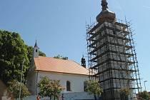 Věž kostela sv. Bartoloměje dostane nový kabát.