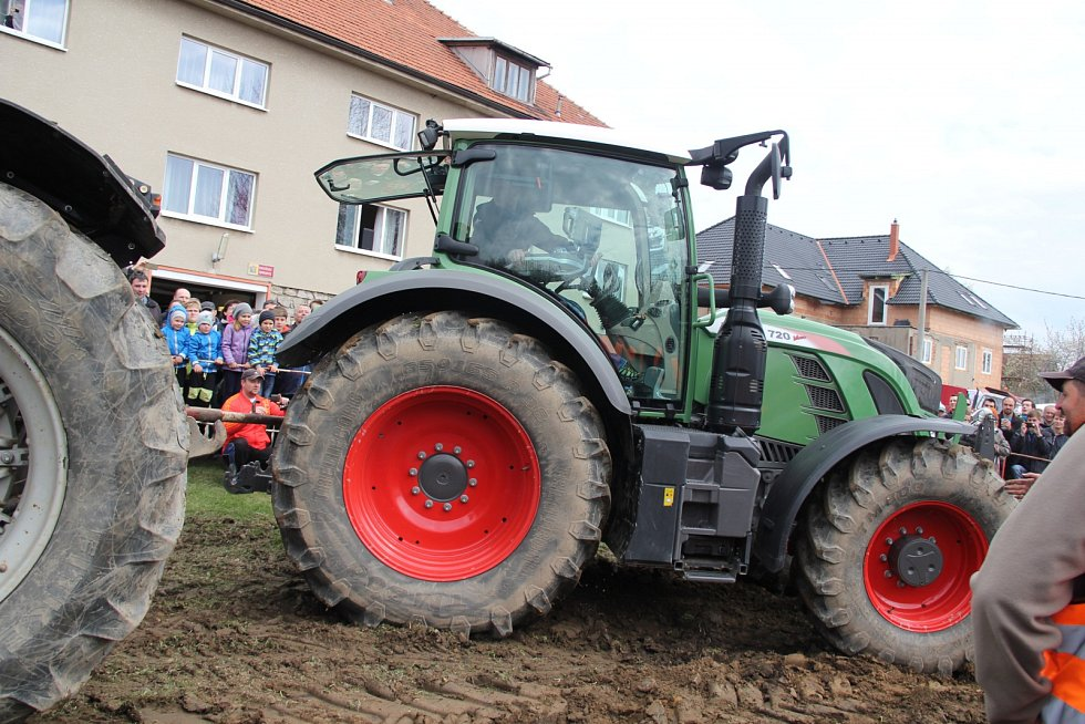 Bohuňovská traktoriáda