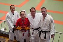 Trenéři Karel Pročka (vlevo) a René Pintera byli na zkušené v kolébce juda, v Japonsku.