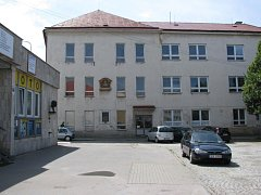 Budova na náměstí ve Žďáře má být  využita pro komerční a administrativní účely