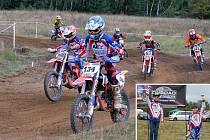 Bratři Jaroslav a Antonín Novákovi (ve výseku fotky zleva) na motocyklech válcují konkurenci.