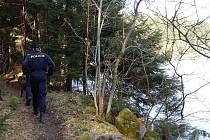 Policisté do okolí vodních zdrojů vyrážejí nepravidelně jak v průběhu celého dne, tak i v noci.