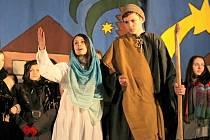 Více než dvacet let se lidé nejen ze Žďáru, ale také z okolních měst a vesnic chodívají pravidelně dívat na divadelní hru pod širým nebem popisující narození Ježíše Krista.
