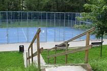 Sportoviště využívají převážně děti z přilehlých sídlišť. Často ale zeje prázdnotou.