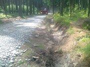 Společnost Kinský Žďár vybudovala zhruba 1,5 kilometru dlouhý úsek mezinárodní cyklotrasy vedoucí podél Velkého Dářka.