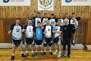Volejbalisté Žďáru zakončili sezonu 2018/19 vítězně. Na prvenství v soutěži to ale nestačilo, skončili těsně druzí.