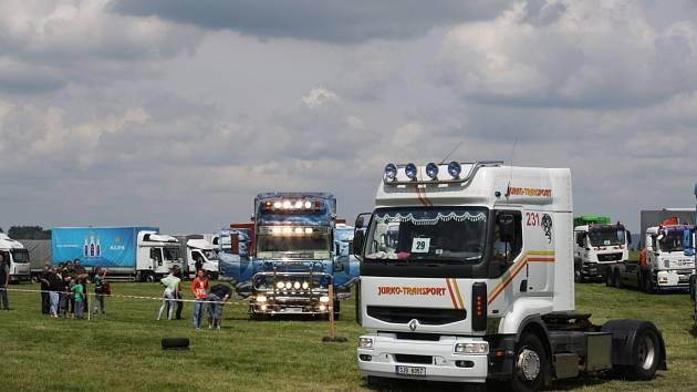 V Šeborově u Uhřínova se konal již čtvrtý ročník Truckshow. Nenechali si ho ujít velcí ani malí příznivci kamionů.
