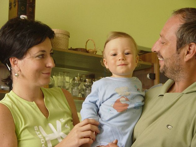 Snědl kaši a skončil v nemocnici. Roční Štěpán Chovanec je vymodlené dítě.