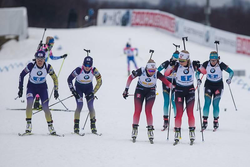 Závod SP v biatlonu (štafeta ženy 4 x 6 km) v Novém Městě na Moravě. Na snímku: Předávka Norského týmu.