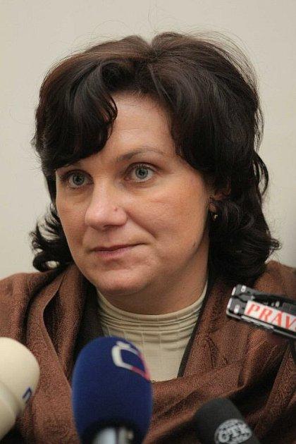 STÁTNÍ ZÁSTUPKYNĚ. Lenku Faltusovou zajímá otázka, co by se dělo, kdyby Zelenka nebyl odhalen.