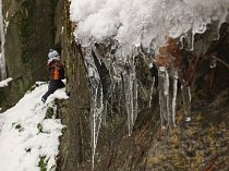 Bývalý lom ukrývá ledovou krásu