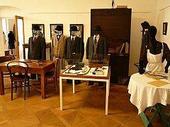Výstava přiblíží oblíbený seriál Hříšní lidé města pražského.