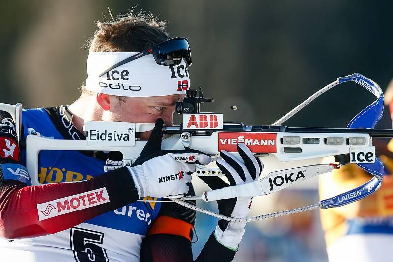 Tarjei Boe ve stíhacím závodu mužů na 12,5 km.
