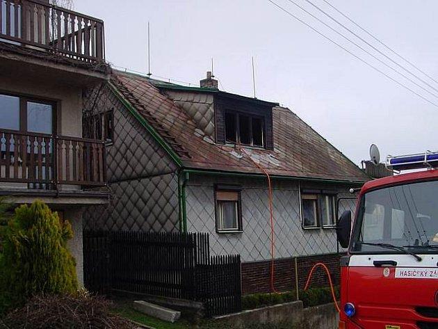 U požáru zasahovala jednotka profesionálních hasičů ze stanice Velké Meziříčí společně s jednotkami sborů dobrovolných hasičů z Měřína, Křižanova a Velkého Meziříčí.