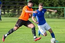 Největším aspirantem na triumf v letošním ročníku krajského poháru Vysočiny jsou bezesporu fotbalisté Nové Vsi (v modrých dresech).