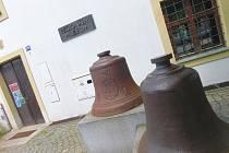 Okolí tvrze, kde sídlí muzeum, čeká obnova.