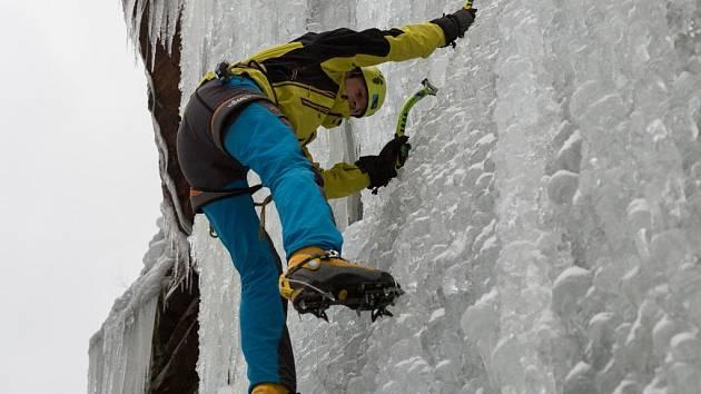 Ledové stěně přeje počasí, blíží se začátek lezecké sezony
