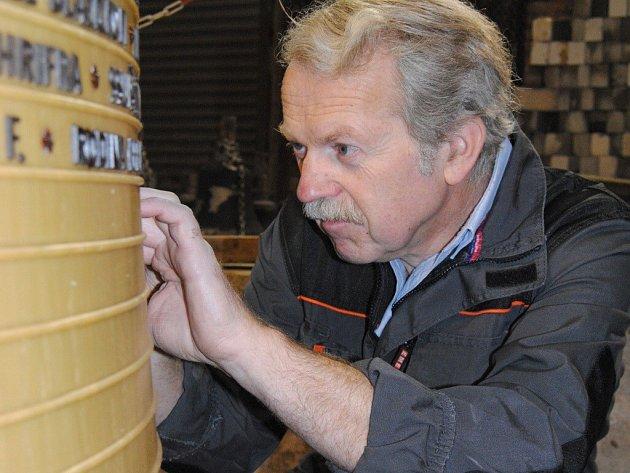 Petr Rudolf Manoušek je mistrem svého oboru. Jeho zvony budou znít i z kostela na Zelené hoře ve Žďáře nad Sázavou.