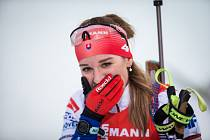 Paulína Fialková v závodu s hromadným startem na 12,5 km žen v rámci Světového poháru v biatlonu.
