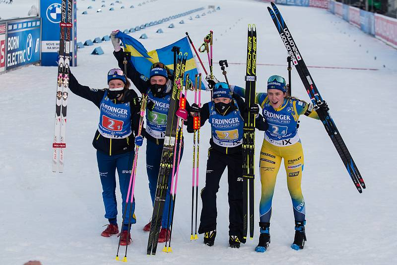 Vítězný tým Švédska - štafety 4x6 km ženy.