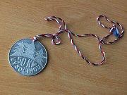 Pochod srdcem Vysočiny navazuje na Chiranskou padesátku, jež se poprvé konala roku 1968. Letos došlo k obnovení tradice - bylo při tom kolem tisíce výletníků, kteří vyrazili na trasy o délce od pěti do padesáti kilometrů. Na snímku pamětní medaile z roku