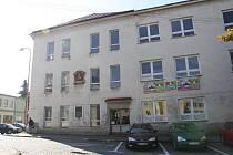 Bývalá první základní škola ve Žďáře nad Sázavou.