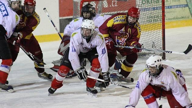 Velké změny přichystá nastávající ročník mládežnických hokejových soutěží i pro žďárské dorostence, kteří se rozdělí na mladší a starší.