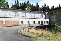 Provoz v bývalém sanatoriu skočil ke konci roku 2011, od té doby je prázdné.