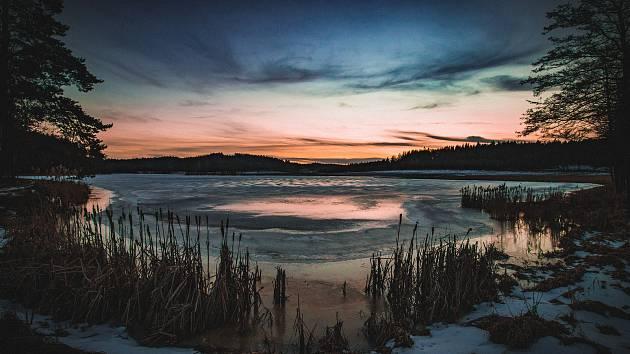 Západy slunce na Žďársku zachycené fotografem. Podívejte se