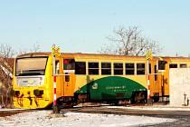 Správa železniční dopravní cesty opraví letos dva přejezdy mezi Žďárem a Tišnovem. Práce vyjdou na cirka 11 milionů korun.