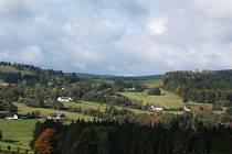 K odkrytí vrcholových partií skalních útvarů ve Žďárských vrších inspirovala ochranáře také situace na Drátníku, který se nachází nedaleko Blatin. Tam došlo k odkrytí vrcholu samovolně, přírodní cestou. V minulosti byly mnohé skály zcela odlesněné.