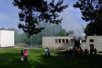 Ve Žďáře nad Sázavou v ulici Bratří Čapků hořel sklad zábavní pyrotechniky.