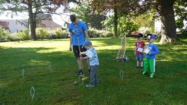 Chlapci z výchovného ústavu uspořádali dětský den pro mateřskou školku