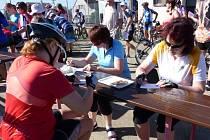 Předloňský rekord – 530 účastníků – letos padl. 43. ročník Měřínské padesátky si nenechalo ujít 825 pěších i cykloturistů.