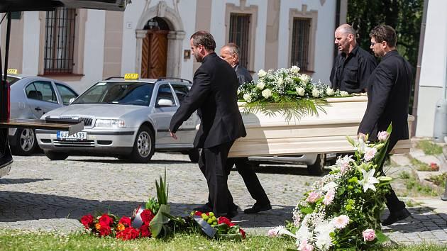 Taxikáři se přišli rozloučit se zavražděnou kolegyní