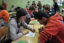 V Gymnáziu ve Žďáře nad Sázavou se hrály piškvorky. První místo v turnají středních škol obsadili studenti ze žďárského biskupského gymnázia, kteří tím postoupili do krajského kola.