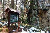 Každé maloplošné zvláště chráněné území je doplněno informačními tabulemi.
