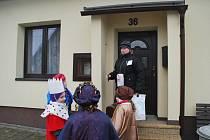 Při poslední Tříkrálové sbírce po domech na Žďársku chodilo na sedmnáct stovek koledníků s kasičkami Charity. Vybrali do nich přes 2,6 milionu korun, což je dosavadní rekord. Peníze byly použity pro potřebné v regionu i v zahraničí.