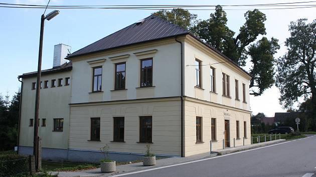 Malotřídní škola v Křižánkách.