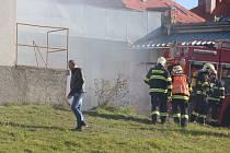 Ve Žďáře hořel sklad zábavní pyrotechniky.