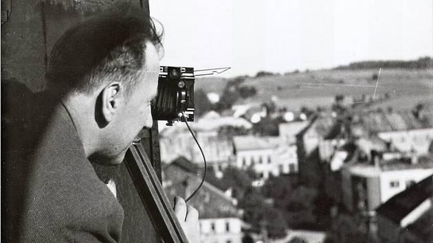 Cenu města převezmou potomci legendárního žďárského fotografa
