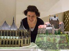 Výstava papírových modelů stavebního projektanta Ivana Zdražila vás zavede na několik desítek českých hradů, zámků a kostelů.