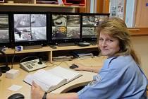 Žďárské kamery jsou napojeny na čtyři kontrolní stanoviště,jedno je ve služebně městské policie.