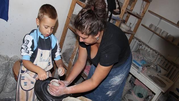 Ke Dnům otevřených ateliérů na Vysočině se připojila také žďárská keramička Barbora Štěpánková