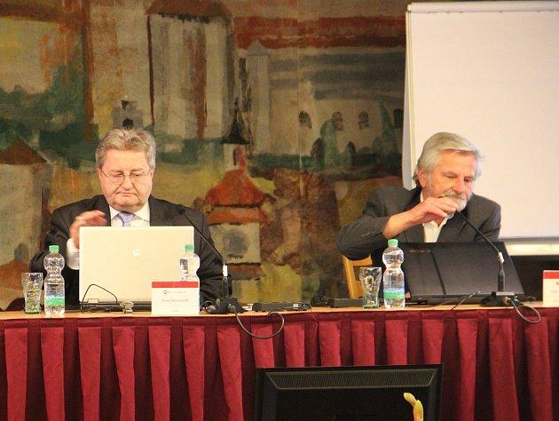 Josef Komínek (vlevo), Vilém Lavický (vpravo).