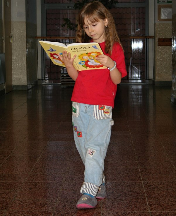 Děti se v malotřídních školách učí stejné učivo, jako ve velkým městských školách.