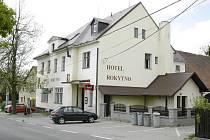 Hotel v Rokytně na Novoměstsku, kde se stala vražda.